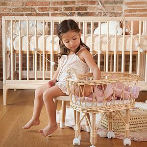 Babybett KERA in Esche mit Aufsatz Round-Sockelfuß Curve