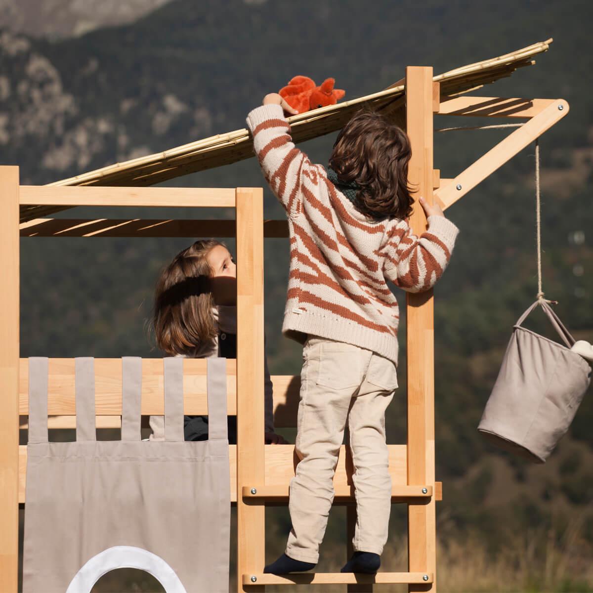 Baumhausbett Bruno Spielbett 90x200cm DESTYLE de Breuyn Buche massiv-natur geölt