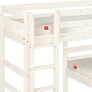 Halbhohes Bett + Einzelbett 90x200 cm + gerade Leiter CLASSIC by Flexa whitewash