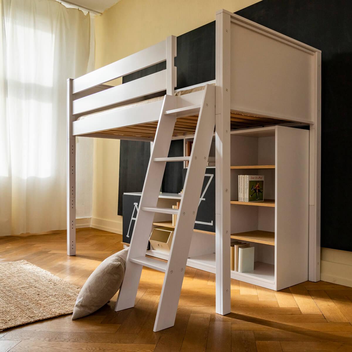 Halbhohes Bett-Regal KASVA Debreuyn Buche massiv weiß-lackiert