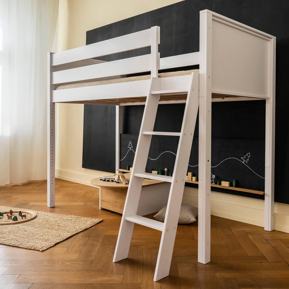Hochbett hoch KASVA Debreuyn Buche massiv weiß-lackiert