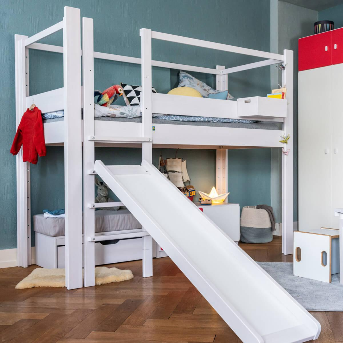Hochbett mitwachsend 90x200cm 5 in 1 Leiter vorne DESTYLE de Breuyn Buche massiv weiß gebeizt-lackiert